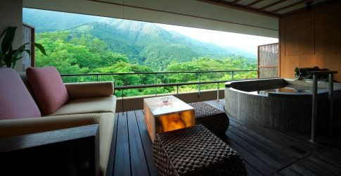 贅沢な東南アジア旅を日本で ...