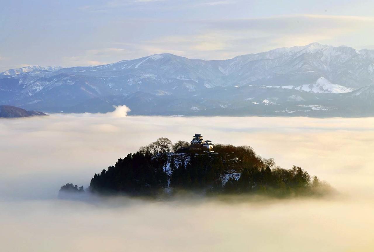 第二の日本のマチュピチュ?雲海に浮かぶ「越前大野城」が ...