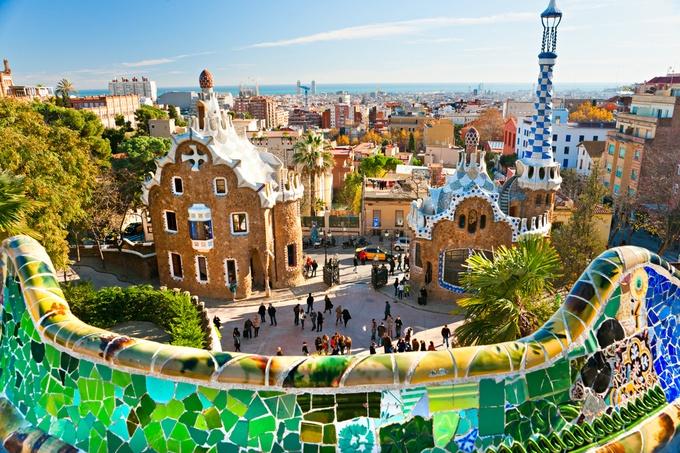 バルセロナの街が一望できる「グエル公園」。世界遺産。