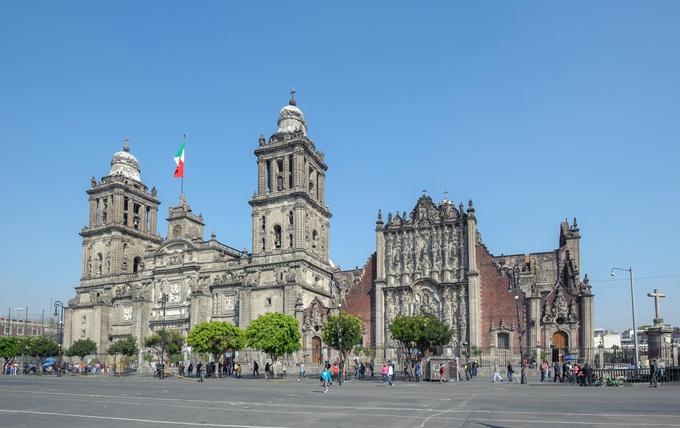 世界の建物トップ20にも選ばれた「メキシコシティ・メトロポリタン大聖堂」