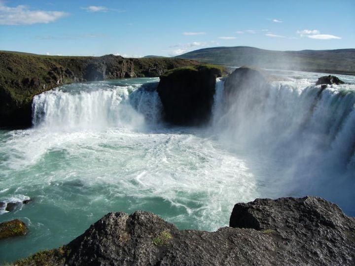 神々の滝 アイスランド「ゴーザフォス」大迫力の滝を見に行く旅