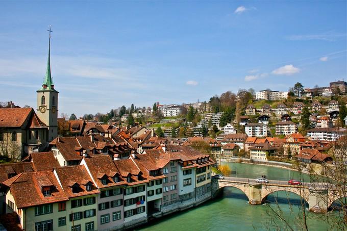 現地人にも一番人気!スイスの水に囲まれた街 ... : 世界 国 首都 : すべての講義